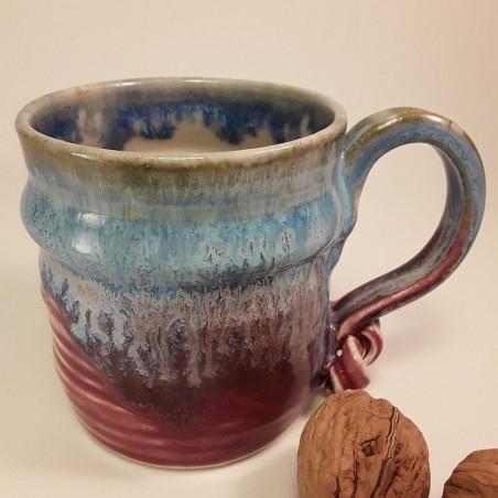 Stoneware mug, medium-sized cup, right view