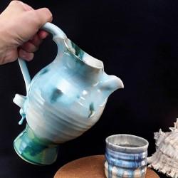 Stoneware sangria jug, way of use