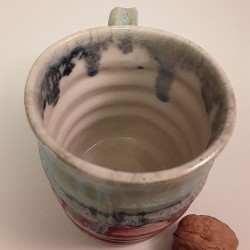 Stoneware mug, medium-sized cup, interior view