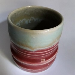 炻器马克杯或中型杯子,背面侧视图