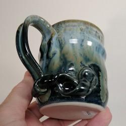 炻器马克杯或中型杯子,下部侧视图