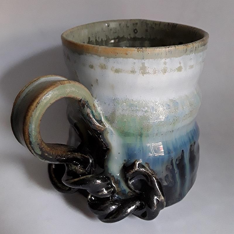 炻器马克杯或中型杯子,左侧视图