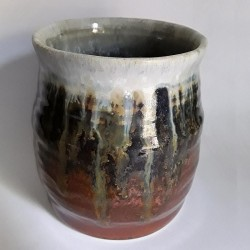 Stoneware mug, medium-sized cup, back side view