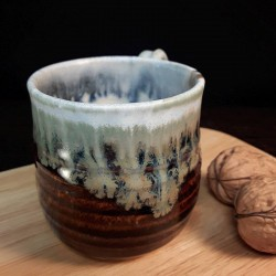 Taza de espresso de gres, vista frontal