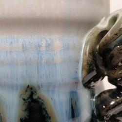 小型炻器花瓶,壺,罐,釉的细节