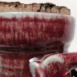 Jarrón, florero o vasija pequeña de gres, detalle del asa y borde