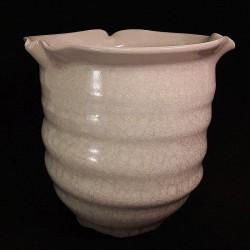 Medium-sized bowl with Guan glaze, side view