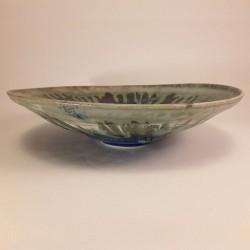 中尺寸瓷器瓷碗或盘子,正视图