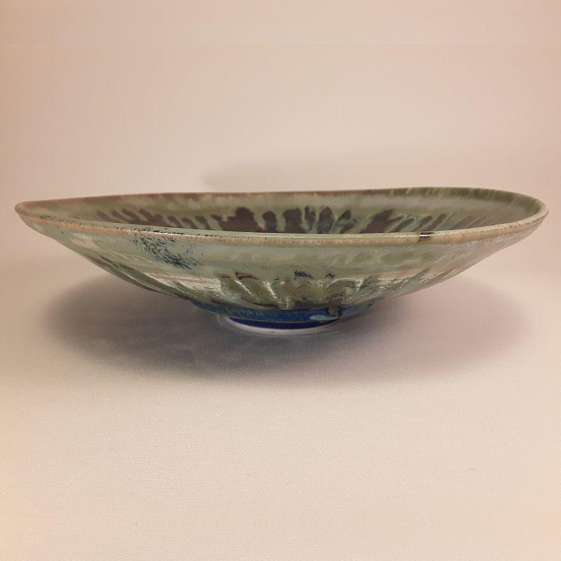 Midsize porcelain bowl, front view