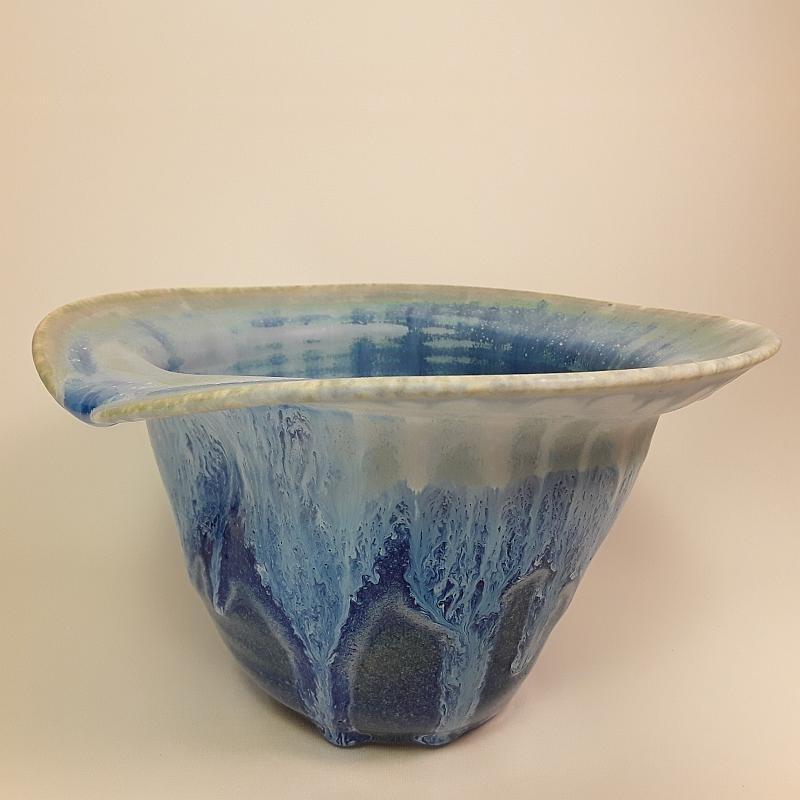 中型瓷器花瓶,正视图