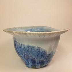 Florero mediano de porcelana, vista lateral