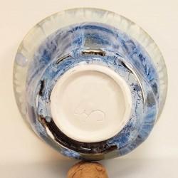 Florero mediano de porcelana, vista inferior