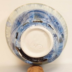 Midsize porcelain vase, down side view