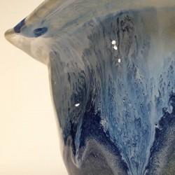 Florero mediano de porcelana, detalle del esmalte