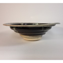 Midsize porcelain bowl, side view
