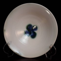 Wide porcelain bowl, interior view