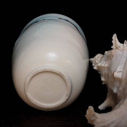 Midsize porcelain vase, down side view