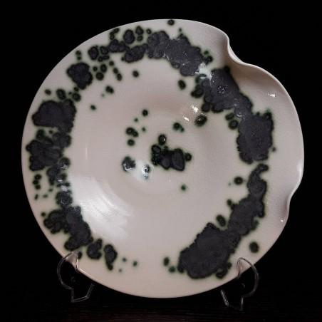 Plato mediano de porcelana translúcida, vista superior
