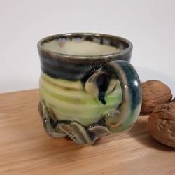 炻器浓缩咖啡杯子,悬挂侧视图