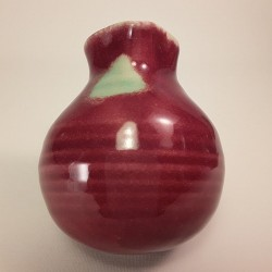 Oil lamp and essence diffuser, back side view